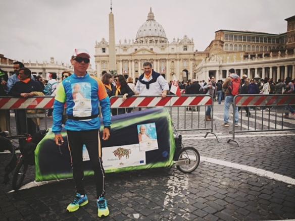 Piotr kurylo ultramaraton watykan kanonizacja